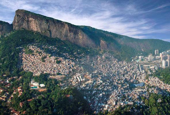 bairros cariocas rocinha de fazenda a maior favela do rio de janeiro